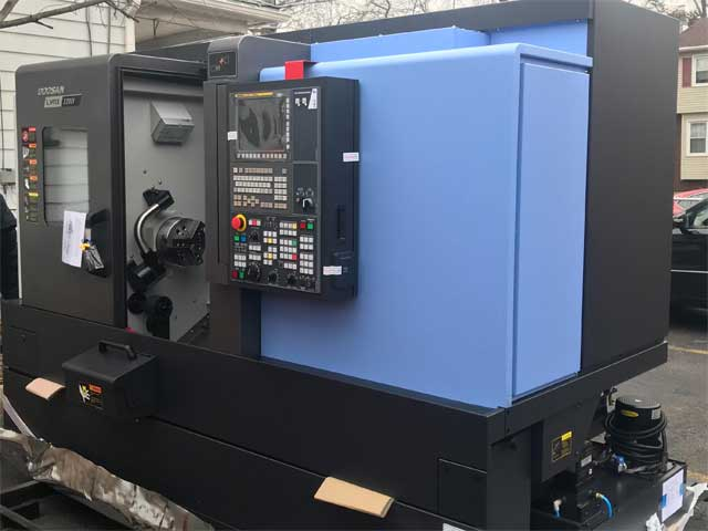 Doosan Lynx mill turn lathe